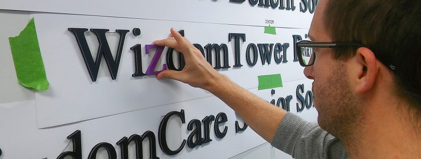 Using color to identify subsidiaries in dimensional lettering